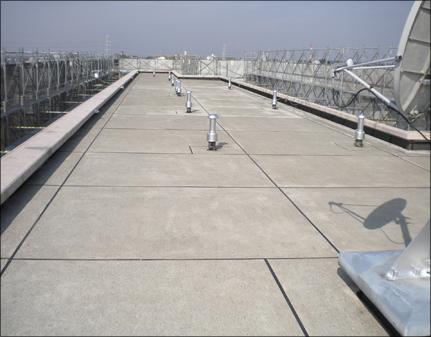 屋上面高圧洗浄後